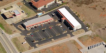 Pratts Mill Shopping Center - Prattville