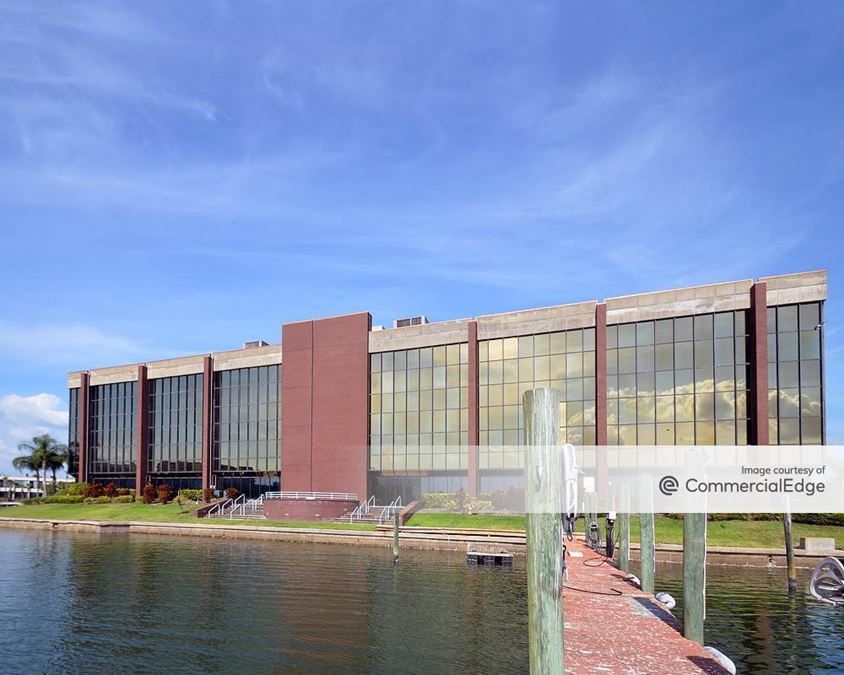 Tampa Bay Marina Center