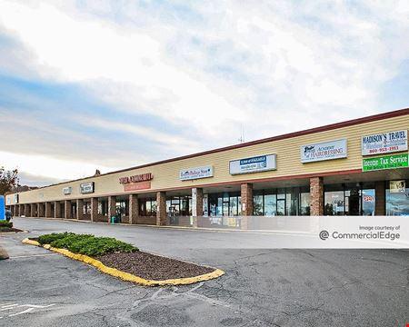 Shield Street Plaza Shopping Center - West Hartford