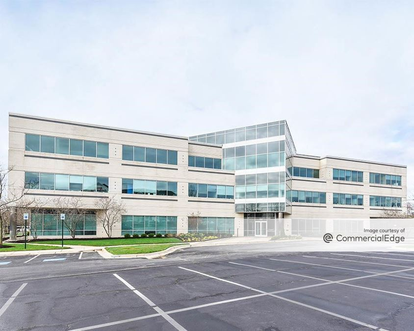 Airport Square - 999 Corporate Blvd