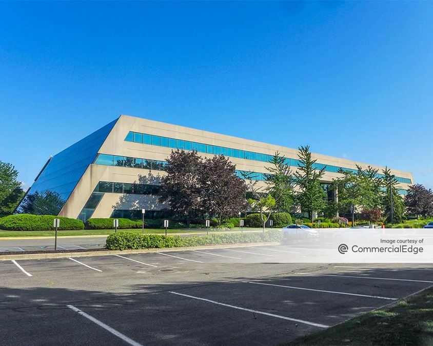 Woodbury Corporate Park - 1000 Woodbury Road