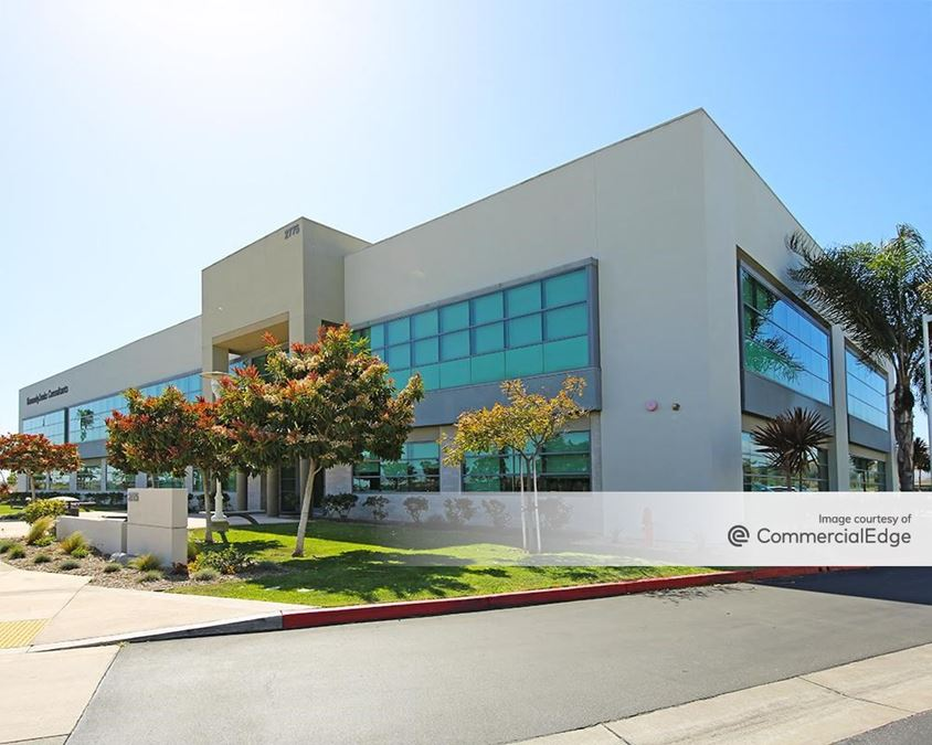 RiverPark Gateway - 2775 North Ventura Road