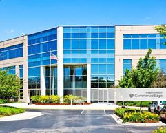 544 Lakeview Pkwy - Vernon Hills