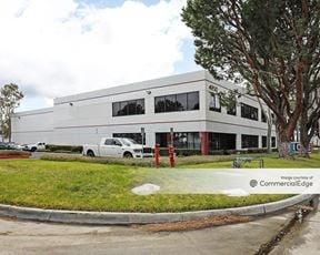 Commerce Pointe Business Park
