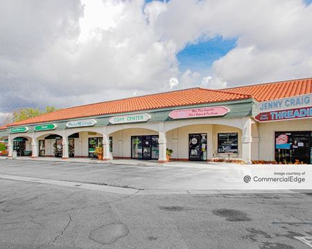 Center Plaza - Los Alamitos