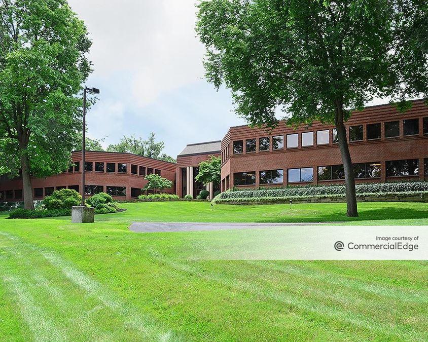 Linden Oaks Office Park - 90 Linden Oaks