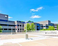 Eisenhower/280 Corporate Center - 105 Eisenhower Pkwy - Roseland