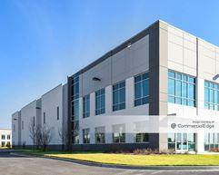Fountain Square Commerce Center - 680 Remington Blvd - Bolingbrook