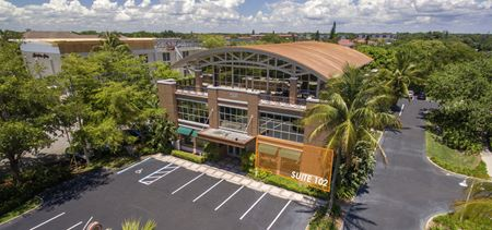 Ground Floor Retail/Office For Lease - Prime Location - Naples