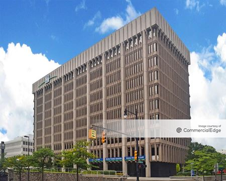 Fifth Third Center - 111 Lyon Street - Grand Rapids