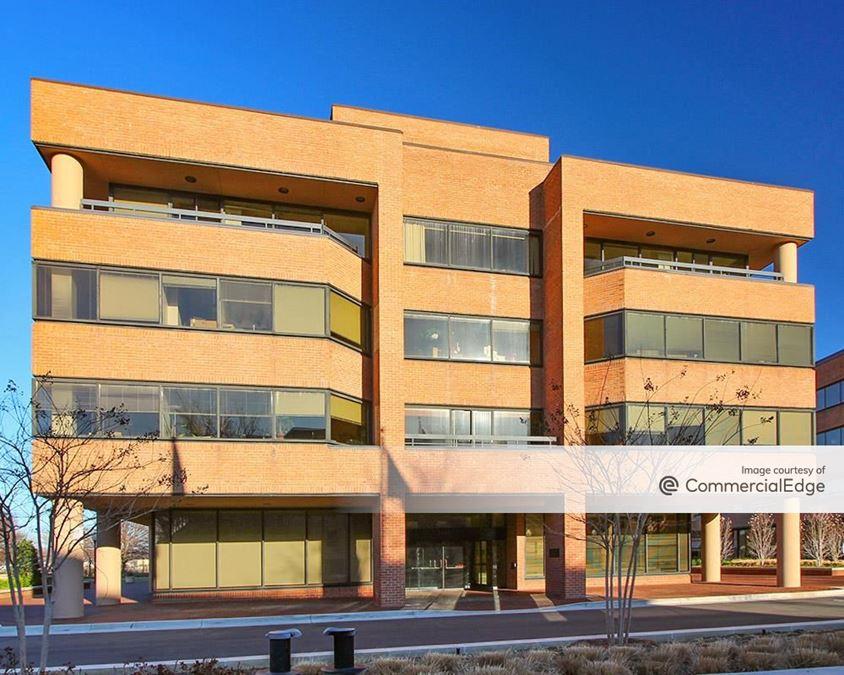 TransPotomac Plaza - 1033, 1055 & 1111 North Fairfax Street