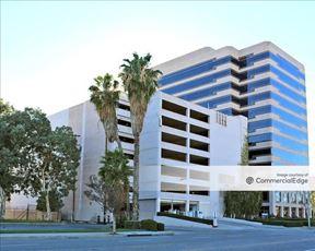 Warner Corporate Center - Woodland Hills