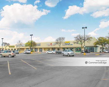 Round Rock East Shopping Center - Round Rock