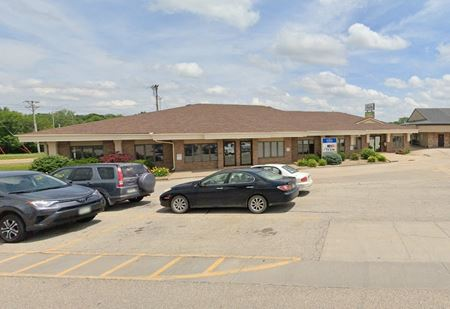 2333 Blairs Ferry Rd NE - Cedar Rapids
