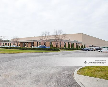 Blackman Plumbing Supply Corporate Headquarters - Bayport