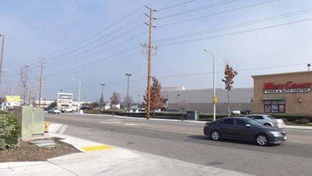 Prosperity Plaza Shopping Center - Tulare