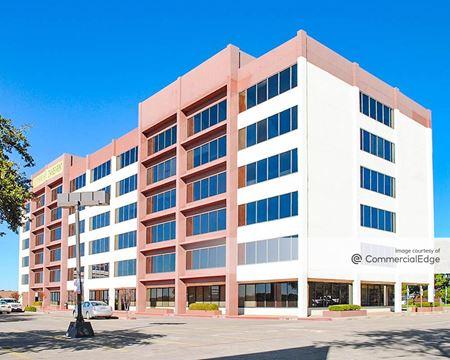 8035 East R. L. Thornton Fwy - Dallas