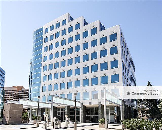 La Jolla Square - 4250 Executive Square