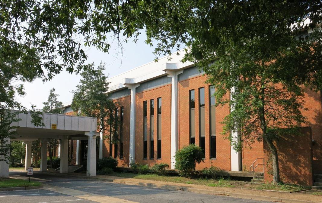7505 Warwick Boulevard Office Building