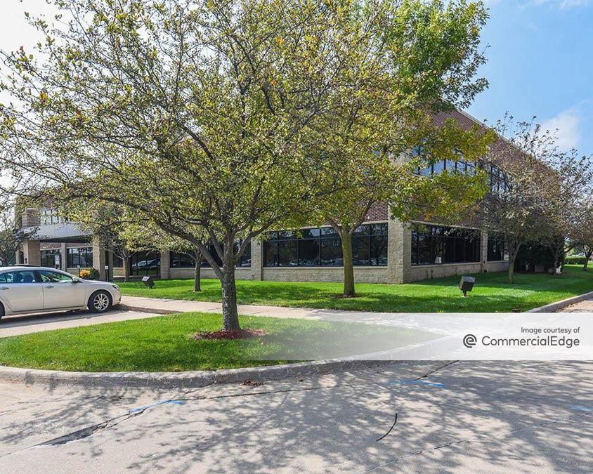 Country Club Office Plaza - Pinehurst Building