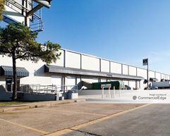 West Loop Business Park - 4005, 4013 & 4015 West 11th Street & 1180 West Loop North - Houston