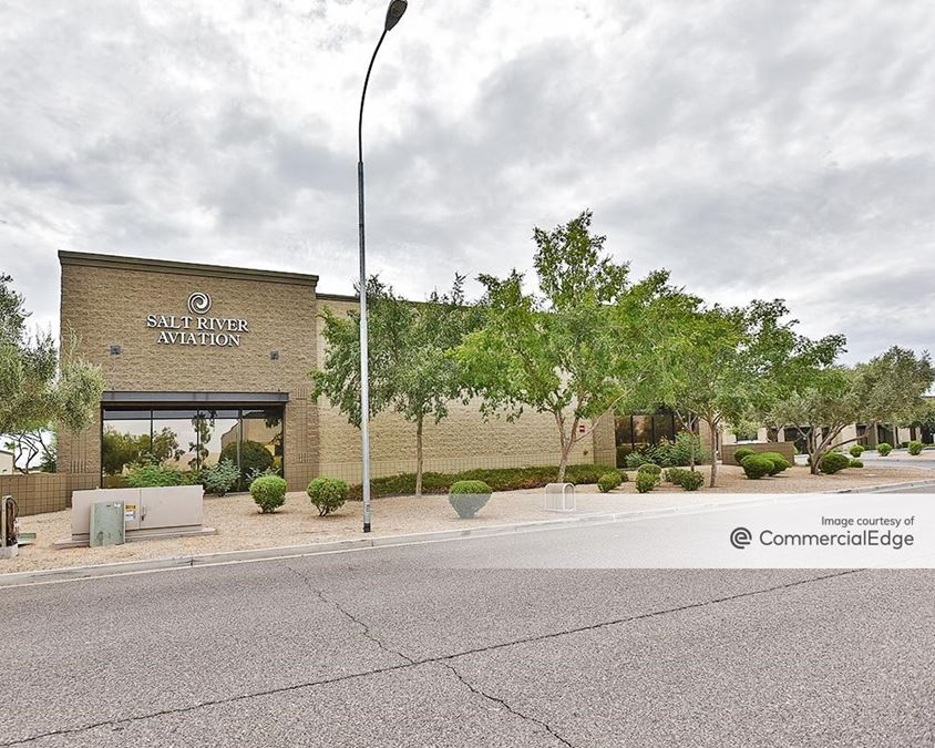 Elliot Commons Business Center