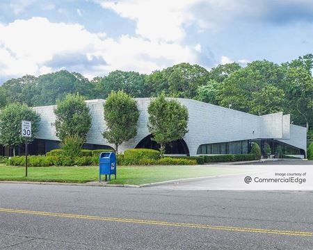Crossways Corporate Park - 40 Crossways Park Drive - Woodbury