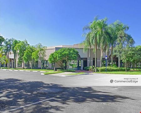 Meridian Business Campus - 3265 Meridian Pkwy - Weston