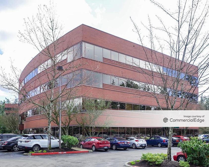 Kruse Woods Corporate Park - 4900 Meadows Road