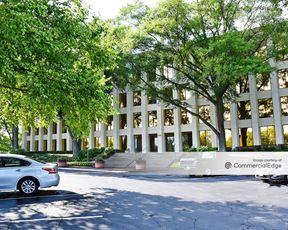 One Crown Center - College Park