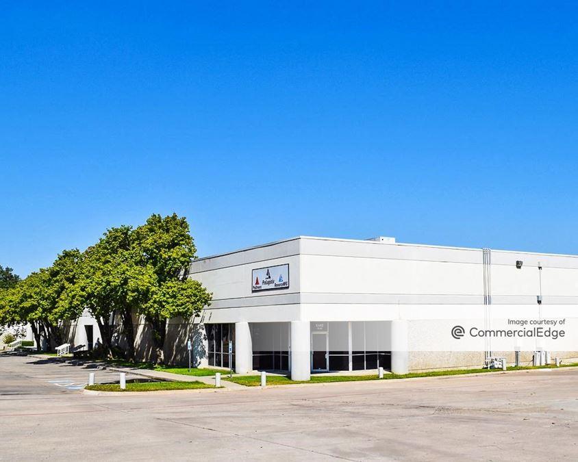 Post & Paddock Service Center