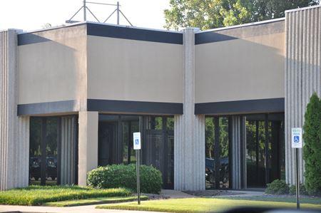 Nonconnah Corporate Center (flex/office) - Memphis