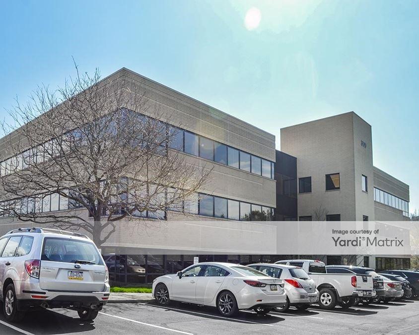 Northpointe Center - 300 Northpointe Circle