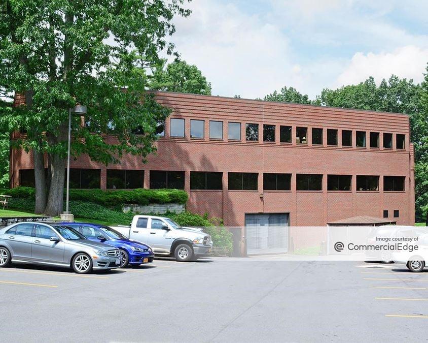 Linden Oaks Office Park - 80 Linden Oaks