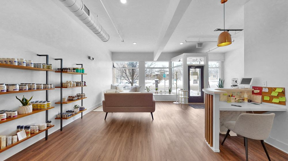 Completely Transformed Mixed Use Building In Wealthy Business District
