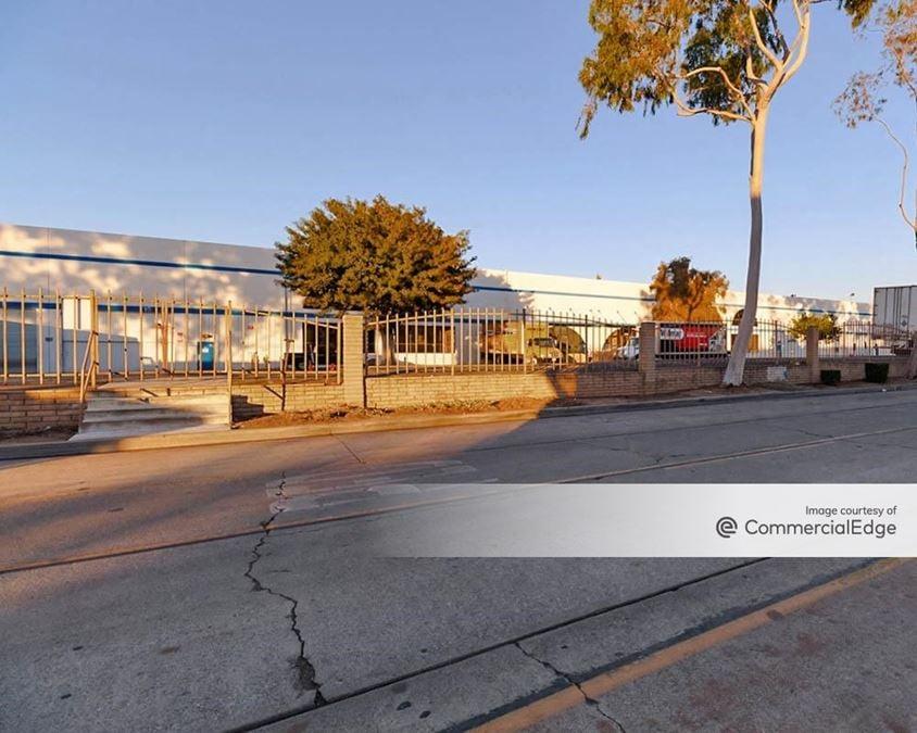 TELACU Industrial Park - 5605 Union Pacific Avenue