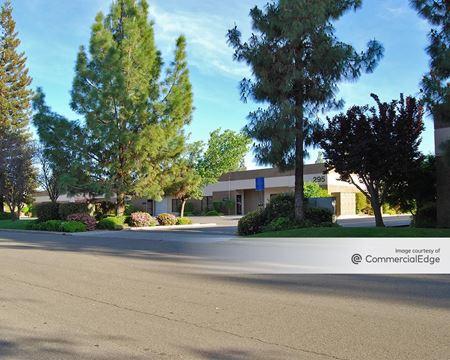 Woodward Business Park - 295, 323 & 351 West Cromwell Avenue - Fresno