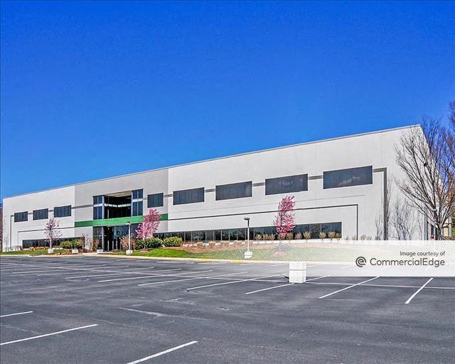 TransDulles Center - 22800 Davis Drive