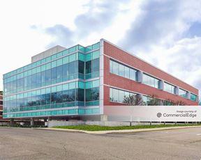 Sylvan Corporate Center 4 - 940 Sylvan Avenue