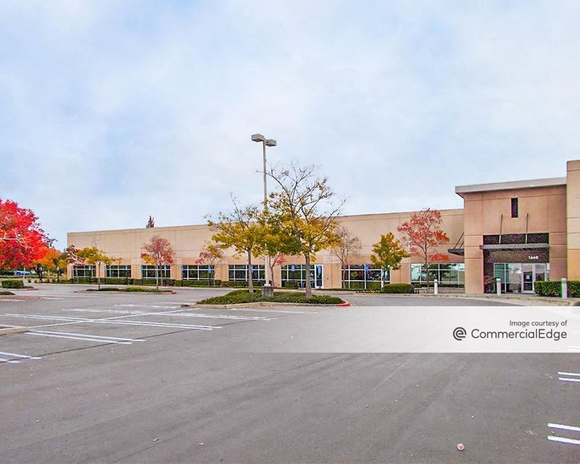 Parkway Corporate Plaza - 1660 East Roseville Pkwy