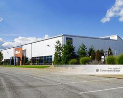 Leetsdale Industrial Park - Buildings 700, 800 & 900 - Leetsdale