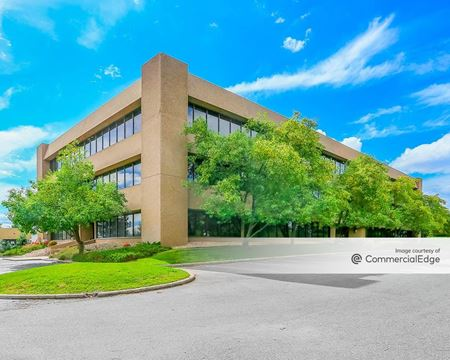 Inverness Business Park - 98 Inverness Drive East - Englewood