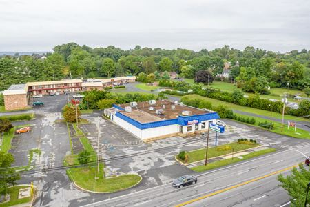 Prominent Building, 11,522 sf on 1.9 Acres - Winchester