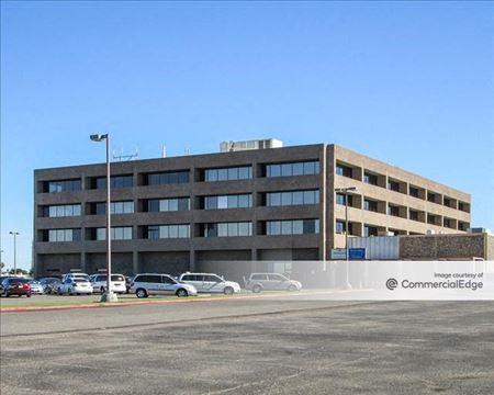 Brookwood Commerce Centre - Glendale
