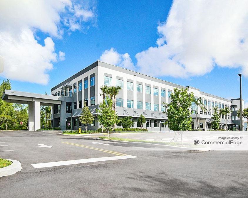 Crystal Lake Office Plaza