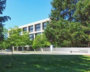 Tarrytown Corporate Center - 520 White Plains Road - Tarrytown