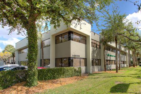 Fairway III Corporate Center - Miami Lakes
