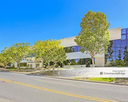 1385 Park Center Drive - Vista