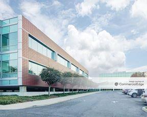 Sylvan Corporate Center 3 - 930 Sylvan Avenue