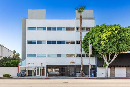 6515 W Sunset Blvd - Los Angeles